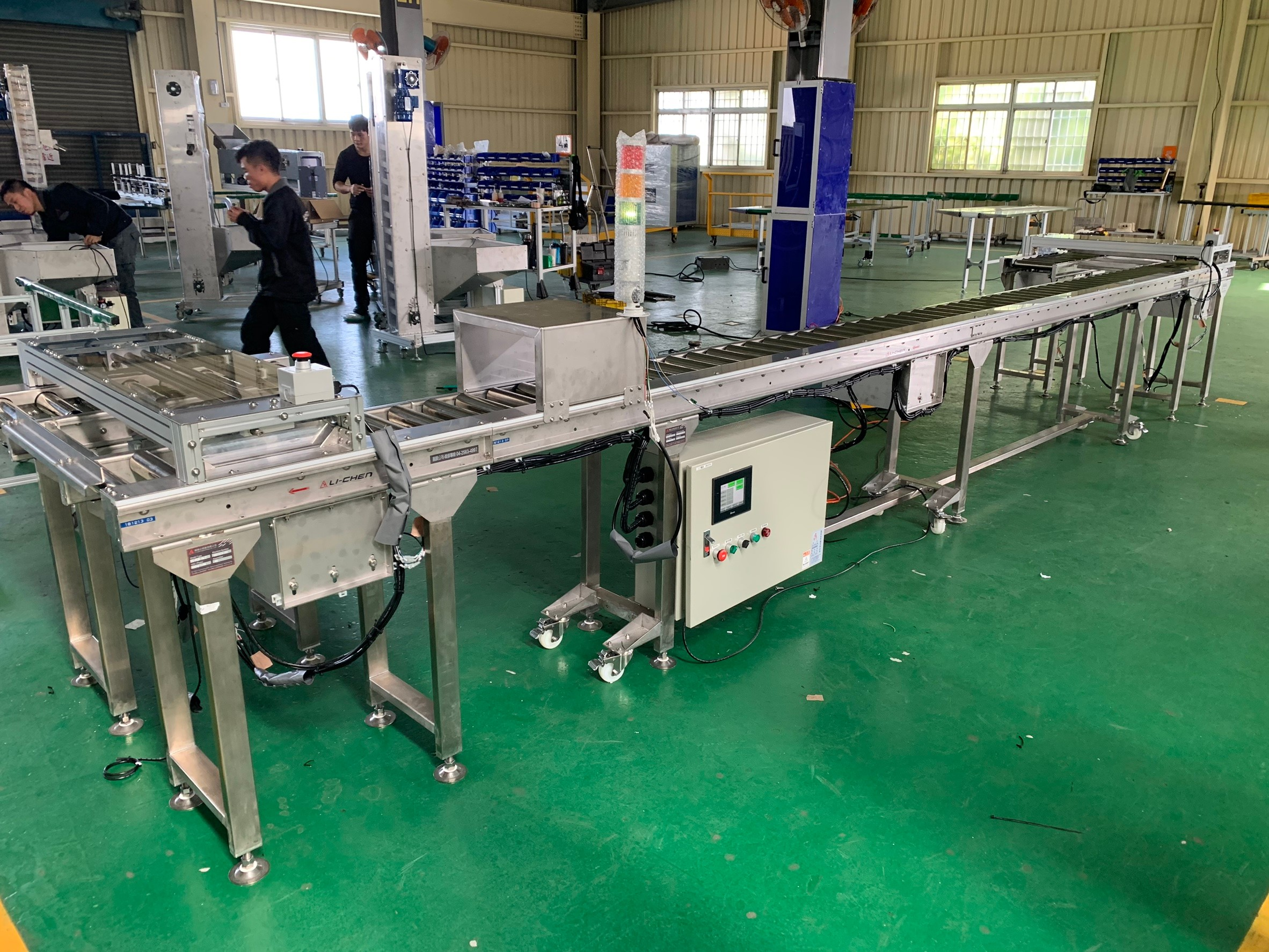 Circulating stainless steel power roller transfer conveyor - APL CONVEYOR ENTERPRISE CO.,LTD Circulating stainless steel power roller transfer conveyor - APL CONVEYOR ENTERPRISE CO.,LTD
