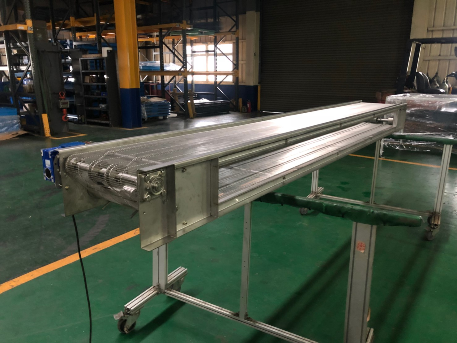 Stainless steel ladder type mesh belt plane conveyor - APL CONVEYOR ENTERPRISE CO.,LTD